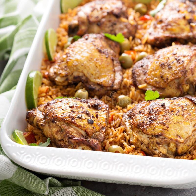 Жулик Arroz Pollo, опаленный цыпленок с испанским рисом стоковое изображение rf