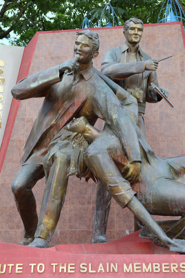 журналисты убили статую philippines стоковое изображение rf