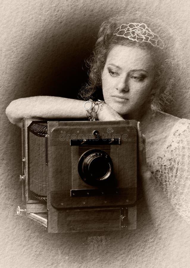заботливое девушки камеры старое стоковое изображение