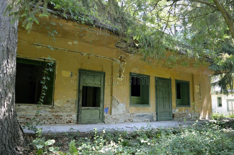 Заброшенное старое здание стоковое фото