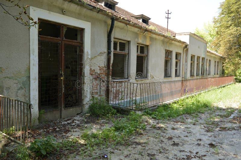 Заброшенное старое здание стоковые фотографии rf