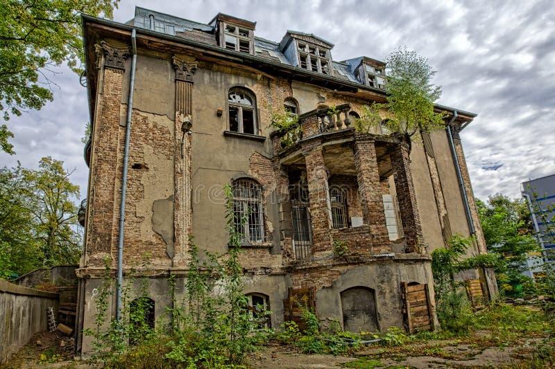 Download Забытое вековое хором. Gdańsk - Польша. Стоковое Изображение - изображение насчитывающей наведенное, зала: 33726123
