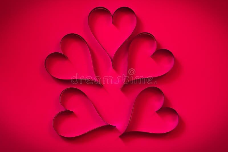 Заверните сердце в бумагу стоковые фото