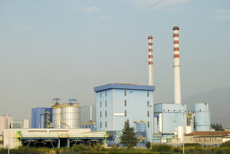 Download завод испепеления стоковое изображение. изображение насчитывающей строя - 6858959