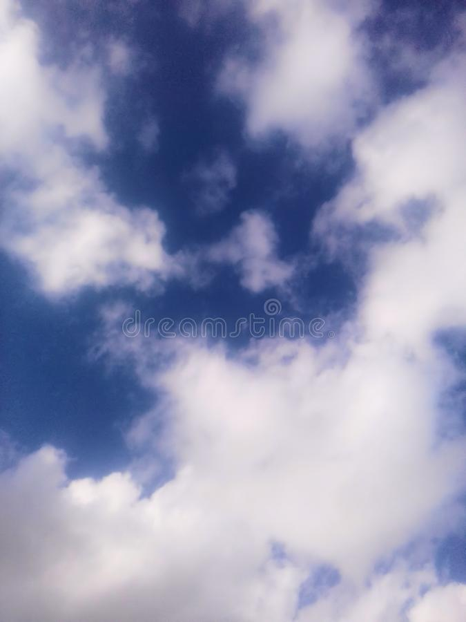 заволакивает небеса стоковая фотография rf