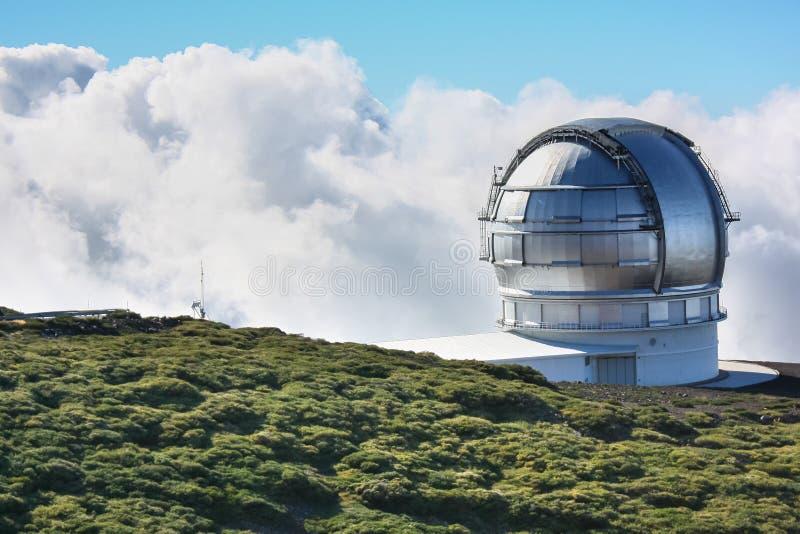 заволакивает обсерватория стоковая фотография rf