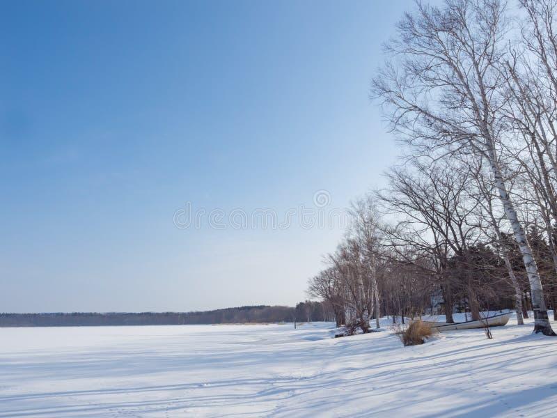 Заволакивание озера Abashiri снегом зимы, Хоккаидо, Японией стоковая фотография rf