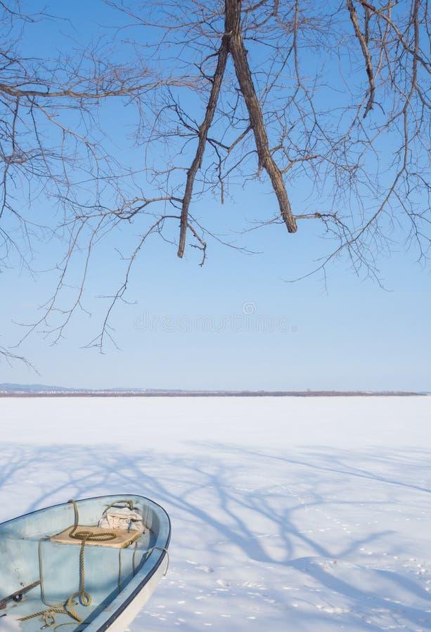 Заволакивание озера Abashiri снегом зимы, Хоккаидо, Японией стоковые изображения rf