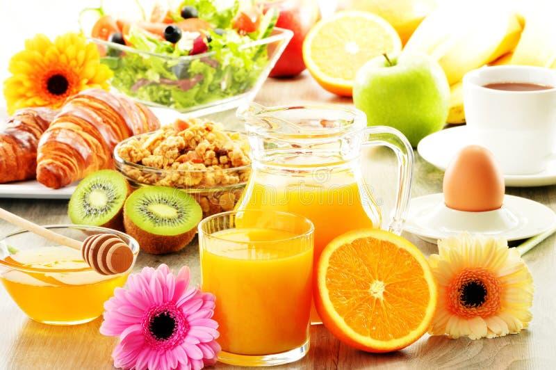 Завтрак на таблице стоковые фото