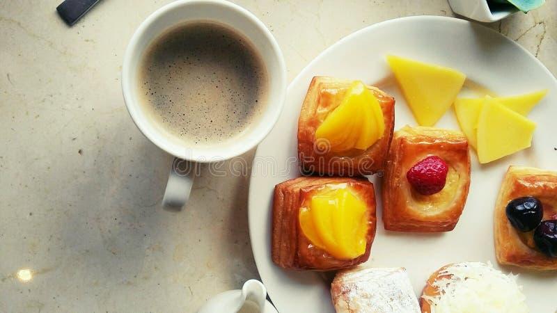 завтрак совершенный стоковые изображения rf