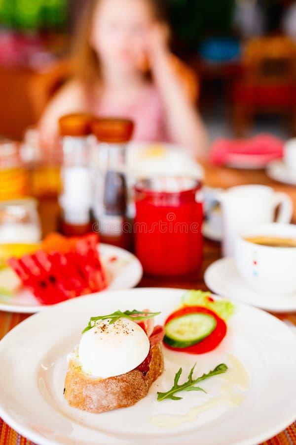 Завтрак с яйцами стоковое фото rf