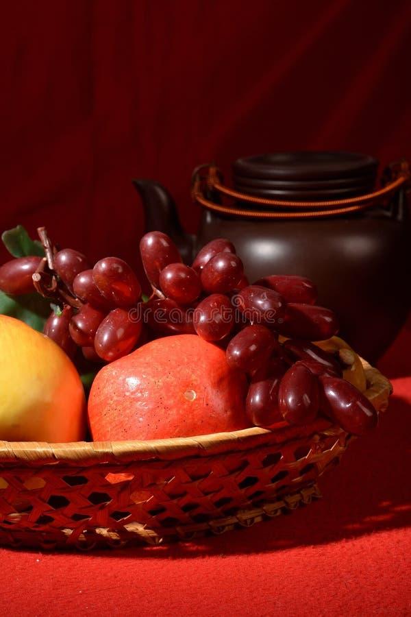 Завтрак утра: корзина плодоовощ 2 стоковое фото