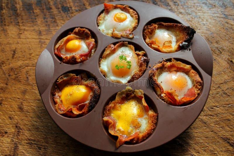 Завтрак - яичница с беконом стоковая фотография