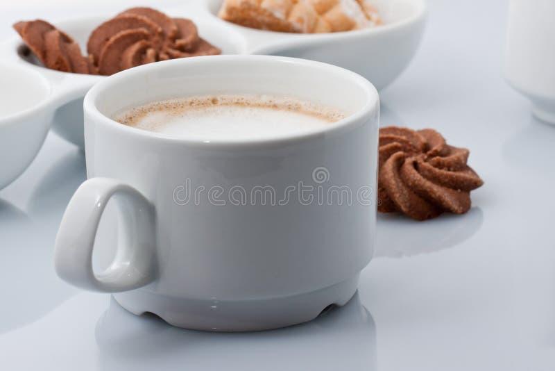 Download завтрак стоковое фото. изображение насчитывающей чашка - 17603454
