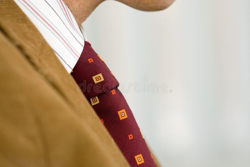 завязанная красная связь стоковое изображение