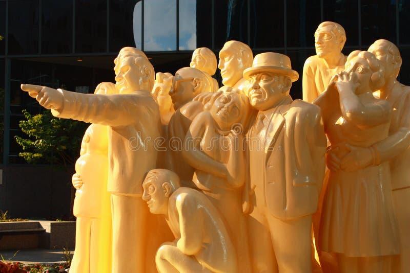 Загоренная скульптура толпы, Монреаль, Квебек стоковая фотография