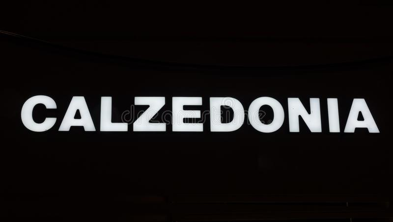 Загоренный логотип CALZEDONIA стоковая фотография rf