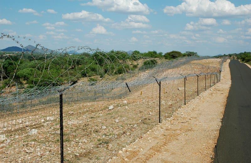 Загородка высокого уровня безопасности границы стоковые фото