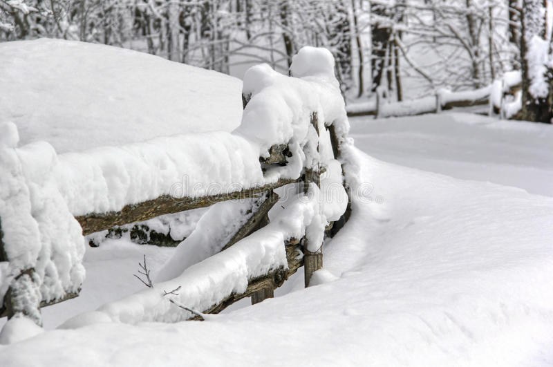 Загородка зимы coolnest стоковое изображение