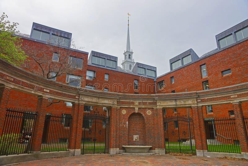 Загородка на Гарвардском университете стоковые фотографии rf