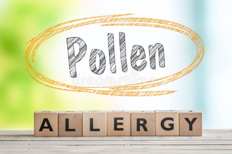 Заголовок аллергии цветня с деревянным знаком стоковые изображения