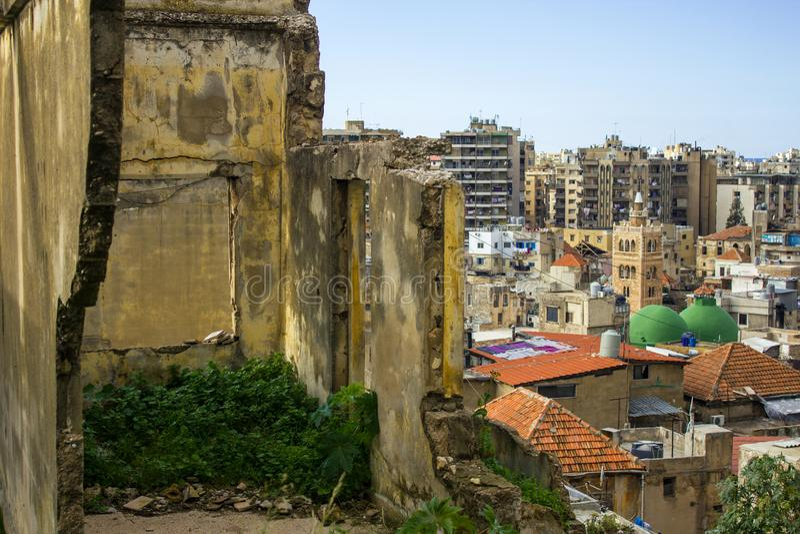 Загубленный дом и взгляд сверху старого городка Триполи, Ливана стоковая фотография rf