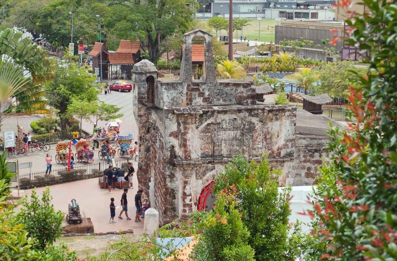 Загубленные стробы португальского форта Famosa, Porta de Сантьяго стоковая фотография rf