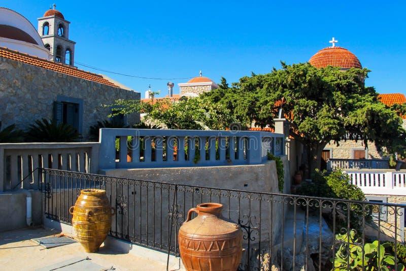 Задворк монастыря Святого Savvas на греческом острове Kalymnos стоковое фото rf