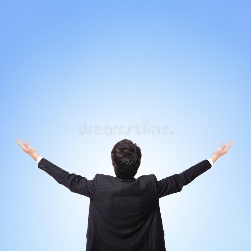 Задний взгляд бизнесмена подготовляет вверх стоковая фотография rf