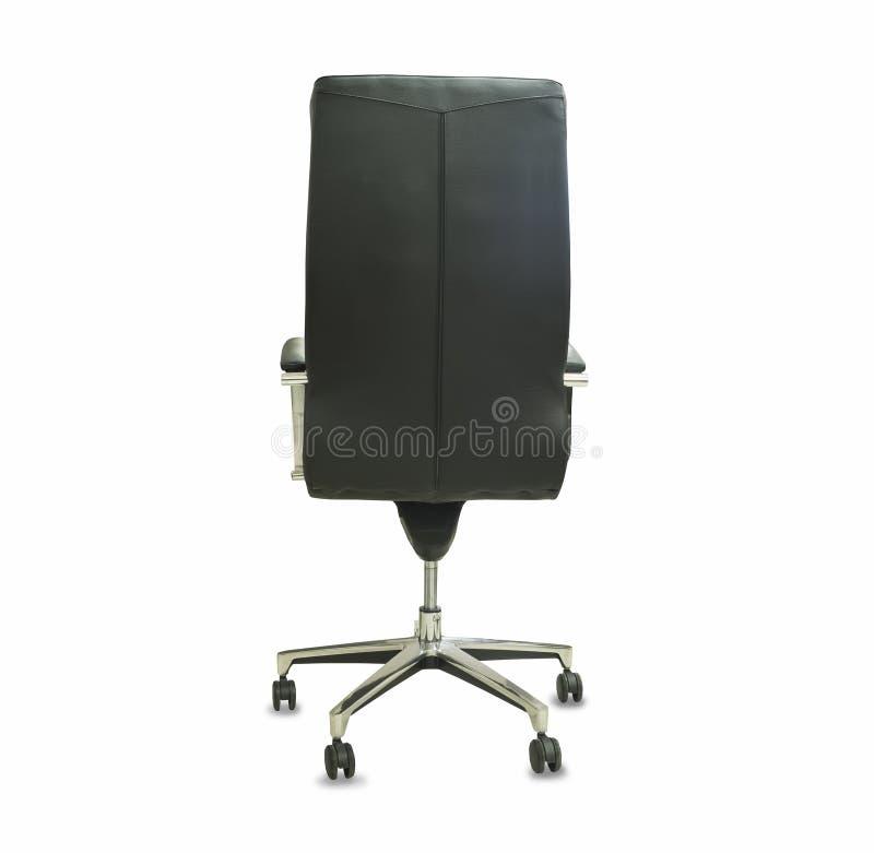 Задний взгляд современного стула офиса от черной кожи Изолированный над белизной стоковое изображение