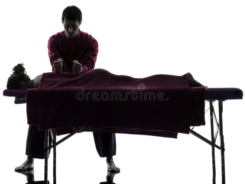 Задняя терапия массажа стоковые изображения