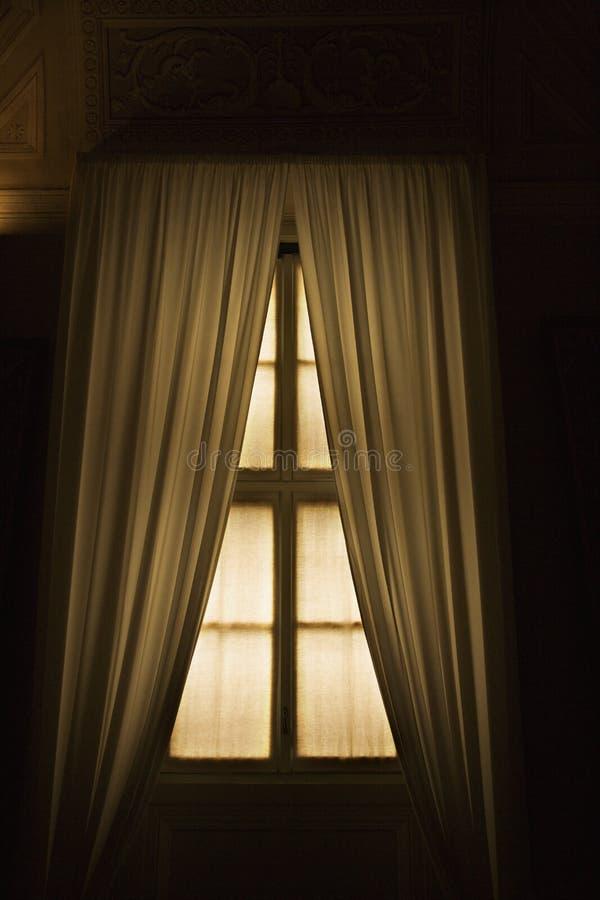 задрапировывает окно vatican стоковое фото