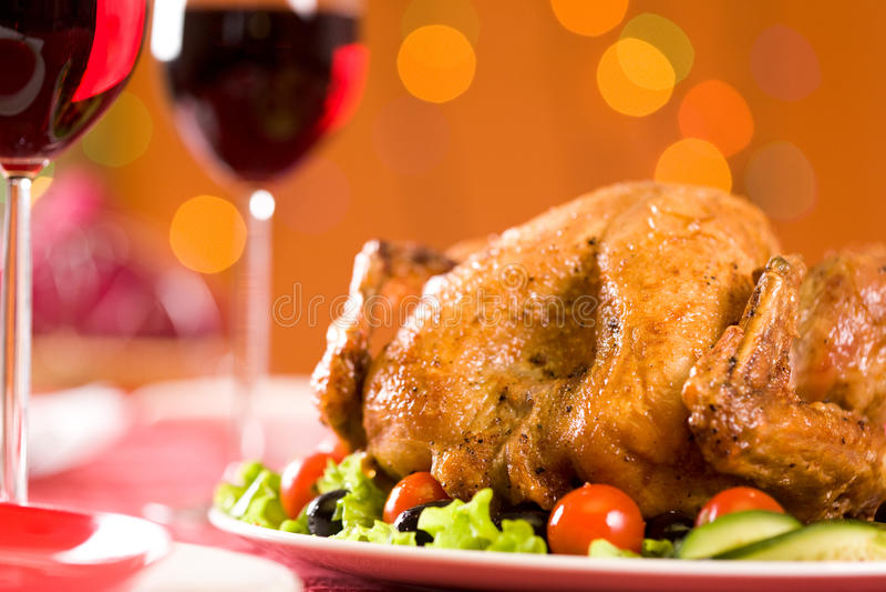 зажаренная в духовке цыплятина стоковая фотография rf