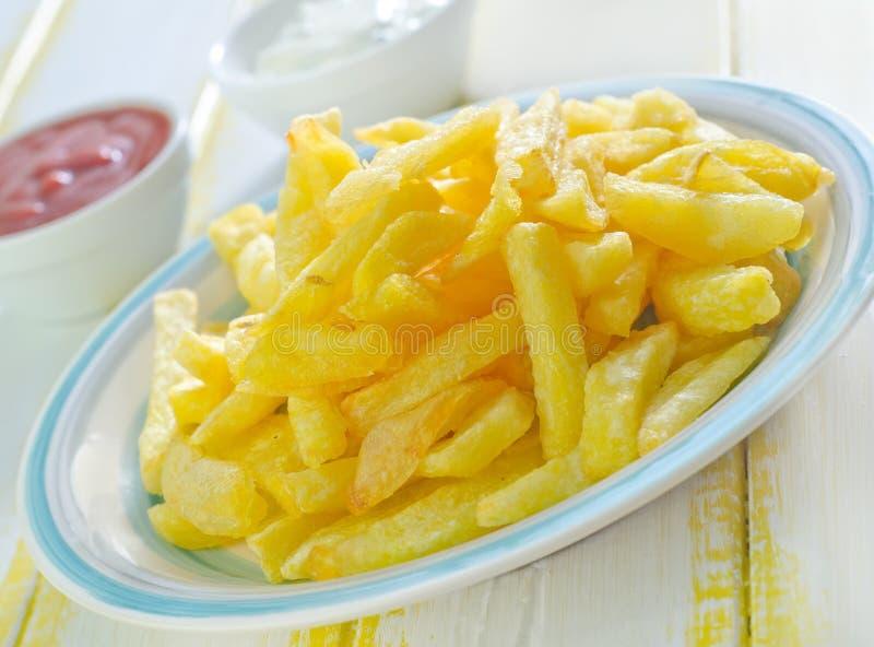 Download зажаренная картошка стоковое фото. изображение насчитывающей калории - 41660074