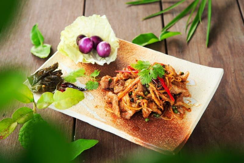 Зажаренная пряная еда Таиланд хряка стоковая фотография rf