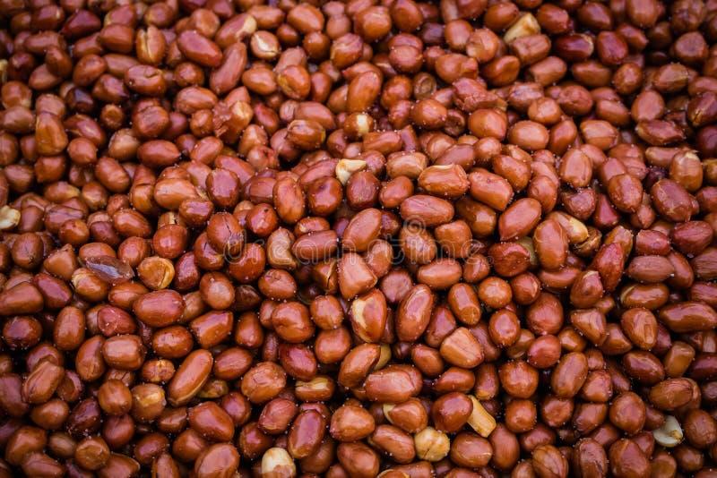 Зажаренное зажаренное в духовке семя арахиса для продажи стоковые фото