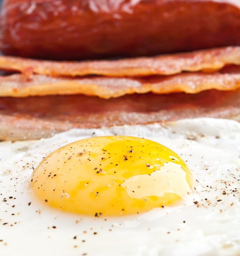 зажаренное яичко завтрака классицистическое стоковые фото