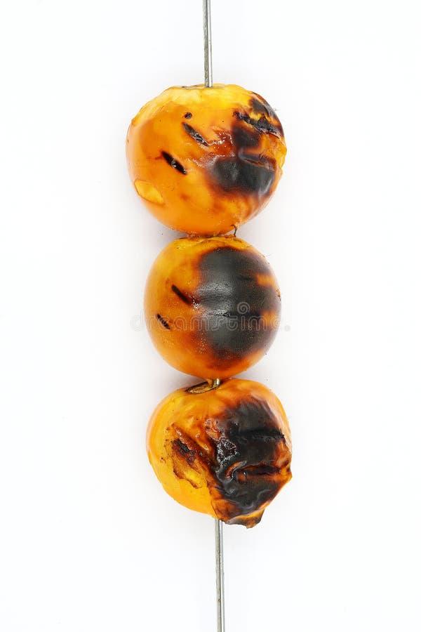 Зажаренное stramoniifolium Jacq Solanum Solanum, Bolo maka подготавливает варить изолированный на белой предпосылке стоковые фотографии rf