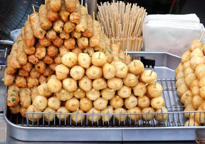 Зажаренные китайские шарики рыб стоковые фото