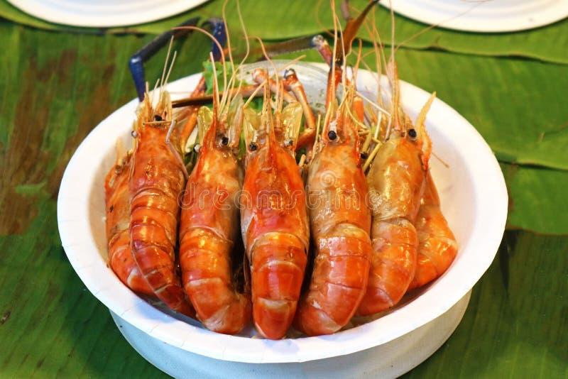 Зажаренные креветки - популярная тайская еда улицы стоковые фотографии rf