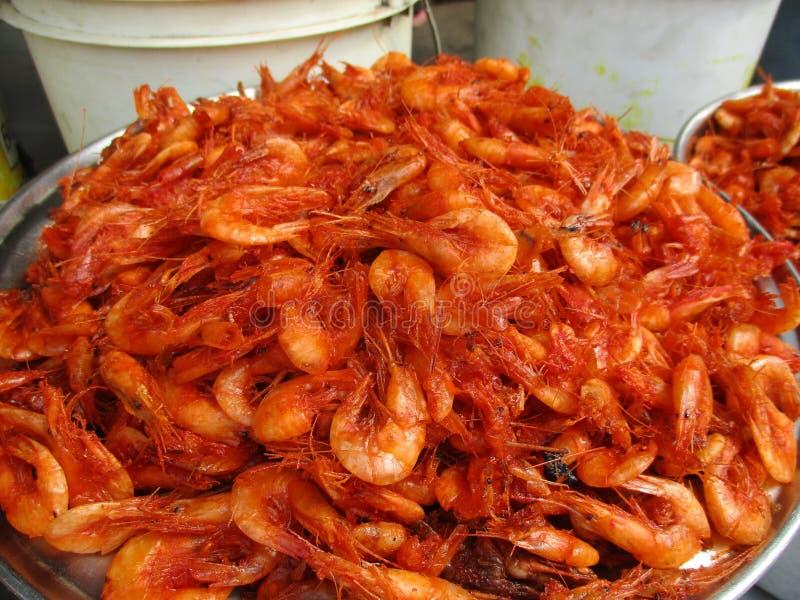 Зажаренные рыбы креветки стоковая фотография rf