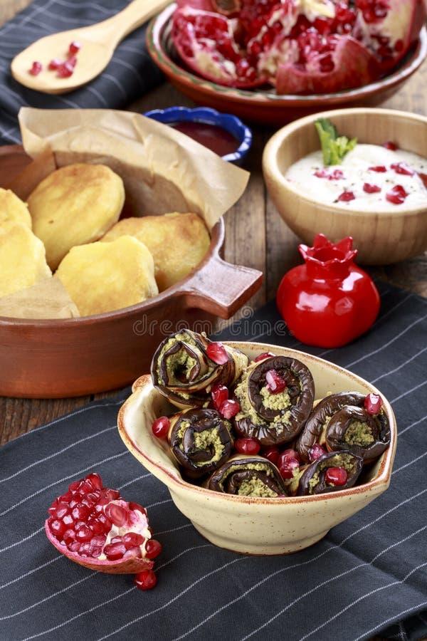 Зажаренный баклажан с соусом грецкого ореха Badridzhani стоковые изображения