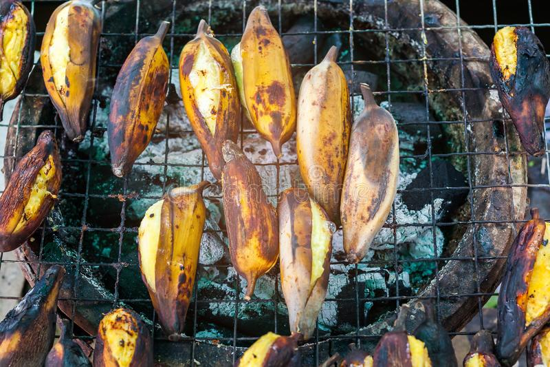 Зажаренный желтый банан стоковые фотографии rf