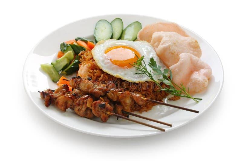 зажаренный рис nasi goreng индонезийский стоковое изображение