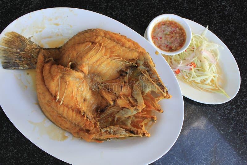 Зажаренный соус рыб стоковые изображения