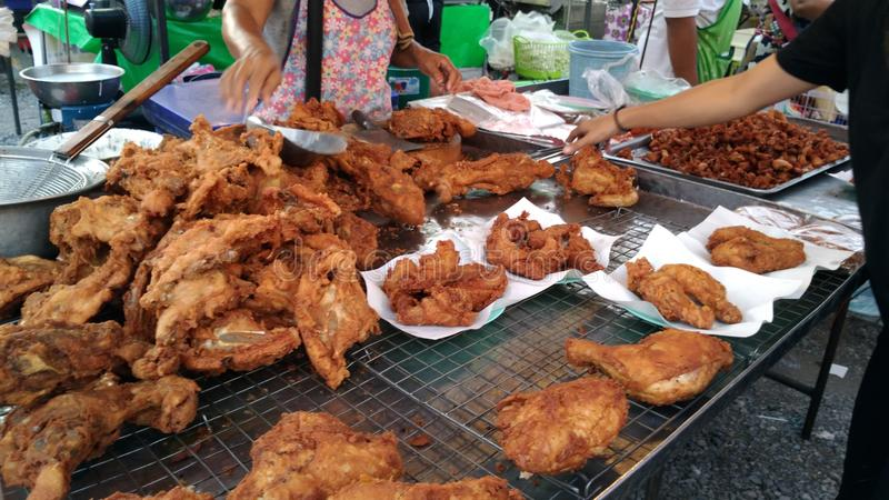 зажаренный цыпленок стоковое изображение