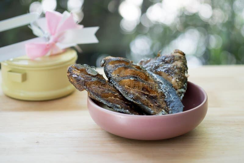 Зажаренный pectoralis Trichogaster, продукты питания от Таиланда стоковые фотографии rf