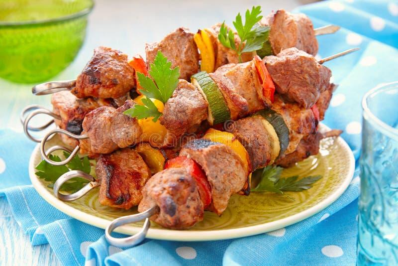 зажженный свинина kebabs стоковое изображение rf