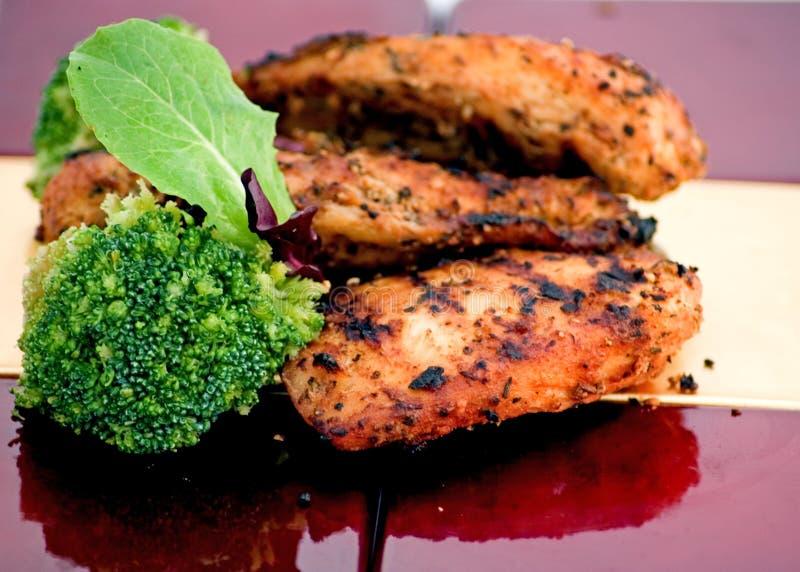 зажженный цыпленок грудей стоковые изображения rf