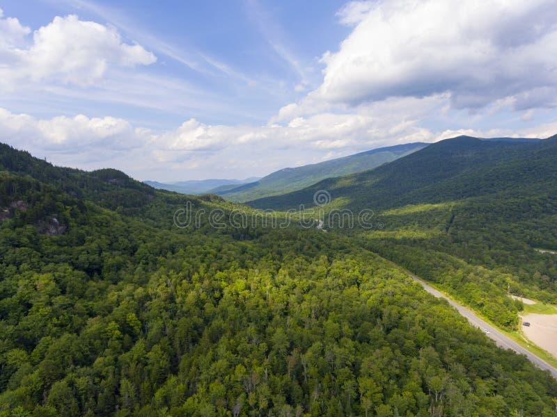 Зазубрина Pinkham и белая гора Rd, NH, США стоковое изображение rf
